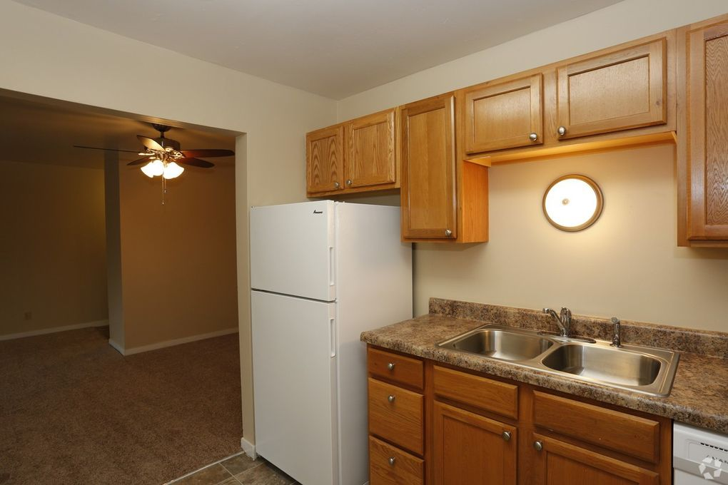 3400 N Knoxville Ave, Peoria, IL 61603 - realtor.com®