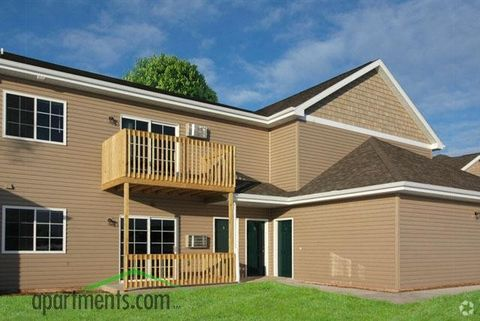 Photo of 370 Country Creek Dr, Fond du Lac, WI 54935