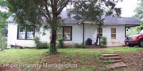 Photo of 82 Stokes St, Grantville, GA 30220