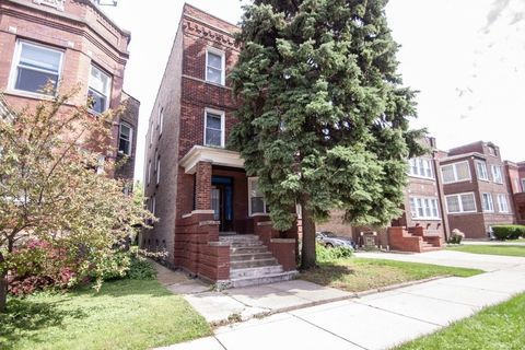 Photo of 3115 N Davlin Ct # B, Chicago, IL 60618