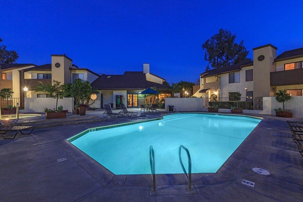 The Landing at Long Beach Apartment Homes