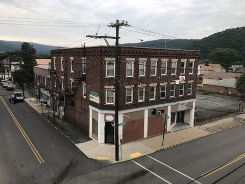 Photo of 102 Chandler Ave Apt 2, Johnstown, PA 15906