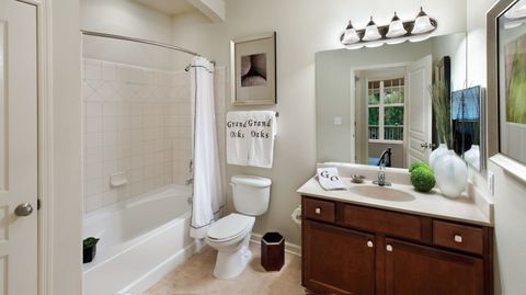 5806 Ogeechee Rd Savannah GA 31419 Apartment For Rent