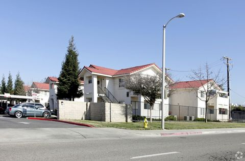 Photo of 450 W Springville Ave, Porterville, CA 93257