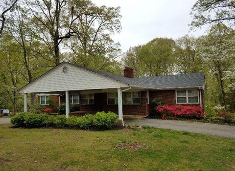 Photo of 2934 Westover Dr, Danville, VA 24541