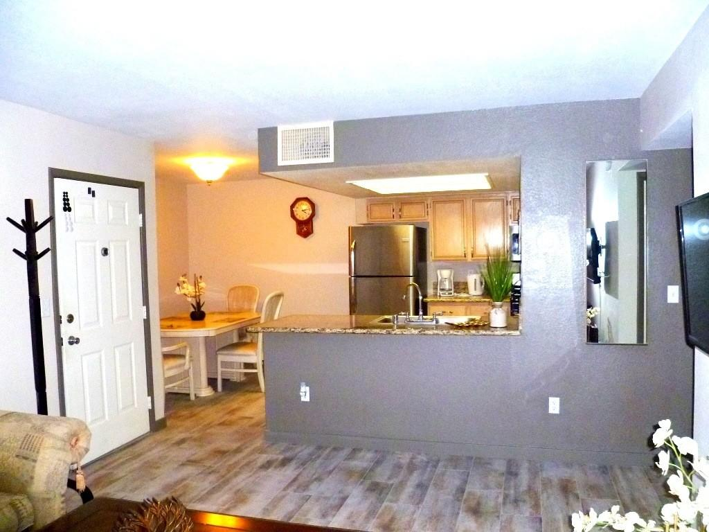8070 W Russell Rd, Las Vegas, NV 89113
