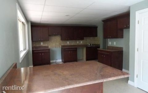 8460 Clinton River Rd, Sterling Heights, MI 48314