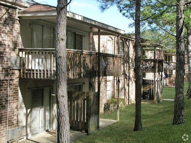 3565 Lorna Rd, Hoover, AL 35216