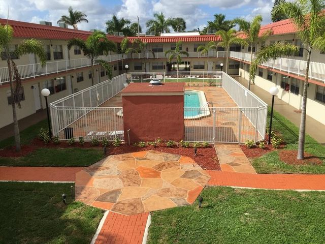 5617 nw 21st st unit 8 e lauderhill fl 33313 home for for 6339 landings terrace tamarac fl