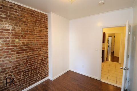 Photo Of 501 1 2 E 83rd St New York Ny 10028 Apartment For Rent