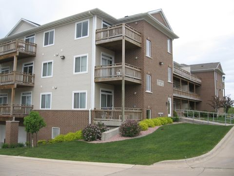 Photo of 31 Redtail Dr, Coralville, IA 52241