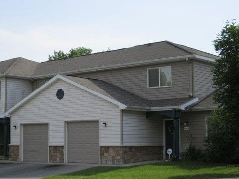 Photo of 100 Rosewood Manor Dr, Flint, MI 48505