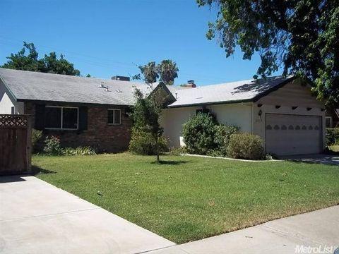 927 Adams Ave, Los Banos, CA 93635
