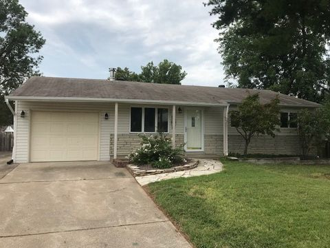 Photo of 12056 Colonial Dr, Maryland Heights, MO 63043