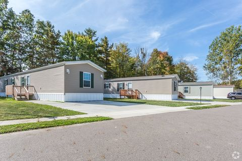 Photo of 6605 State Route 5, Ravenna, OH 44266