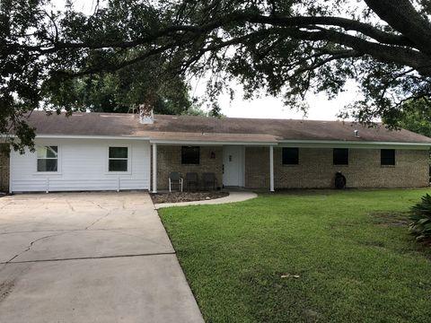 Photo of 210 James St, Inez, TX 77968
