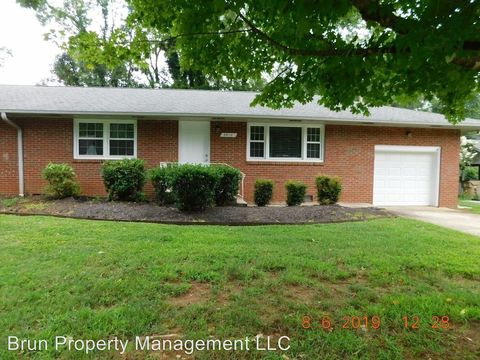 Photo of 3812 Woodlake Dr, Knoxville, TN 37918
