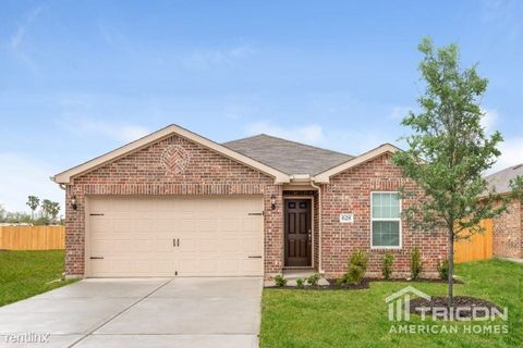 Photo of 628 Totem Trail Dr, La Marque, TX 77568