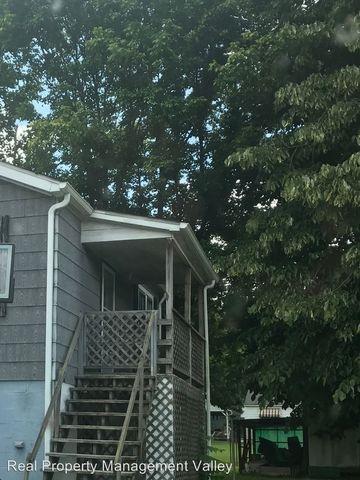 6925 1/2 Winfield Rd, Winfield, WV 25213