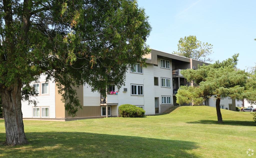 Village Green Apartments In Baldwinsville Ny