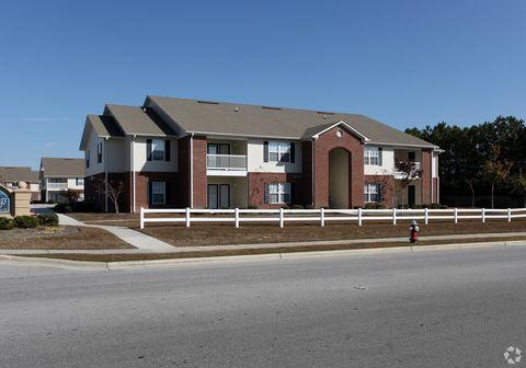 Photo of 460 Mc Daniel Dr, Jacksonville, NC 28546