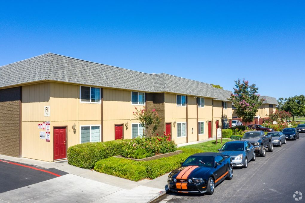 Solano Apartments: 713 E Travis Blvd, Fairfield, CA 94533