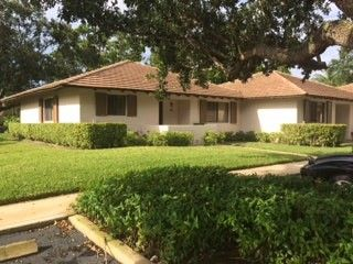 Photo of 112 Club Dr, Palm Beach Gardens, FL 33418