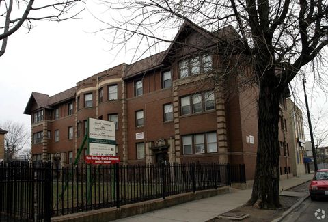 Photo of 423 N Central Ave, Chicago, IL 60644