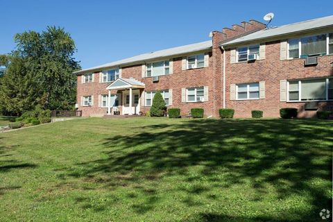 Photo of 510 Maloney Rd, Poughkeepsie, NY 12603