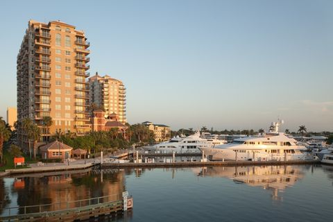 1030 Seminole Dr, Fort Lauderdale, FL 33304