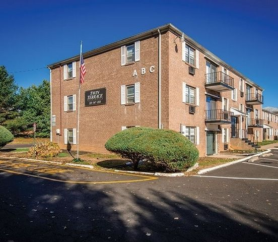 Appletree Apartments: 201 Woodbourne Rd, Levittown, PA 19056