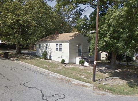 Photo of 223 Columbia Ave, Burlington, NC 27217