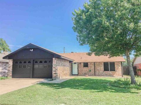Photo of 4918 Big Bend Dr, Wichita Falls, TX 76310