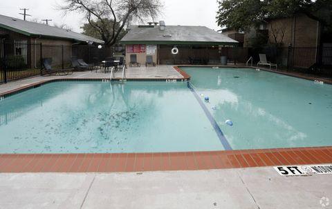 Photo of 8117 Barclay St, Dallas, TX 75227
