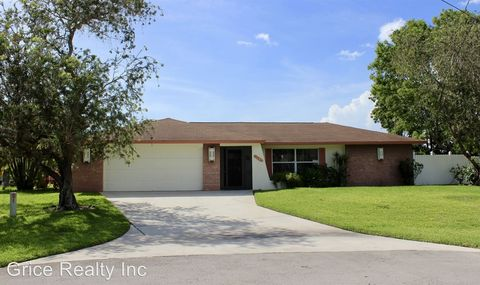 Photo of 3065 50th Ln Sw, Naples, FL 34116