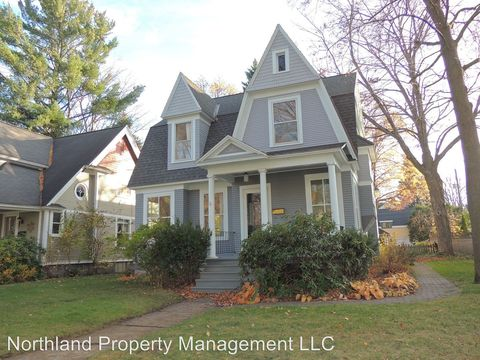 427 Fifth St, Traverse City, MI 49684