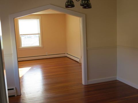 8 Racicot Ave, Webster, MA 01570