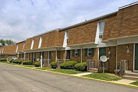 102 Andover Rd, Heath, OH 43056