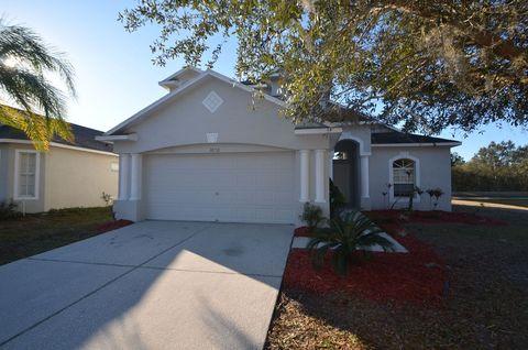 Photo of 30718 Birdhouse Dr, Zephyrhills, FL 33545
