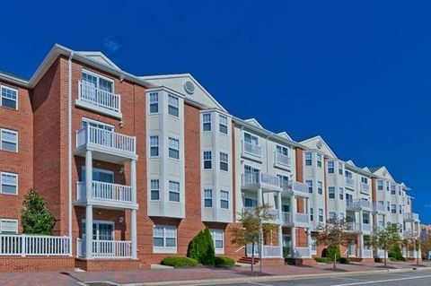 553 Settlers Landing Rd, Hampton, VA 23669