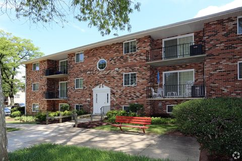 Photo of 5815 Marlboro Pike, District Heights, MD 20747