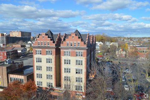 615 James St, Syracuse, NY 13203