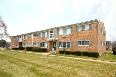 12811 Heritage Dr, Plymouth, MI 48170