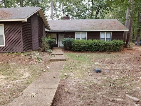 Photo of 115 B Fairfax Cir, Brandon, MS 39047