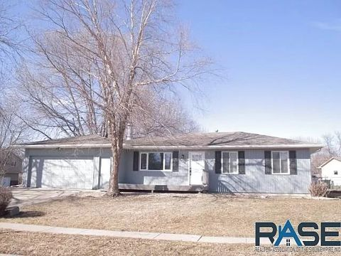Photo of 5716 W 56th St, Sioux Falls, SD 57106