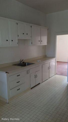Photo of 122 1/2 And 124 Leland St, Santa Rosa, CA 95404