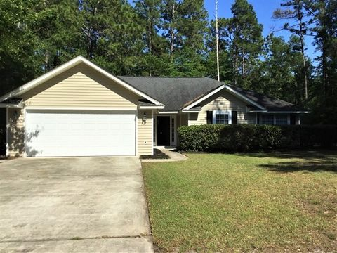 Photo of 6 James F Byrnes St, Beaufort, SC 29907