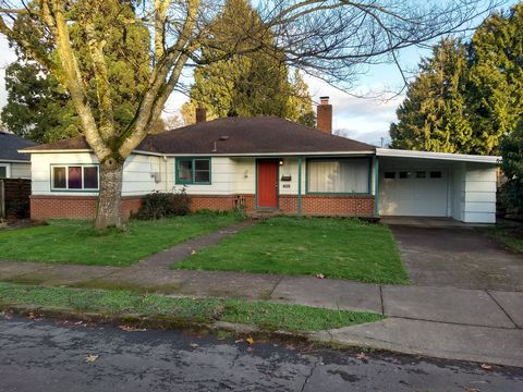Photo of 905 Nw 33rd St, Corvallis, OR 97330