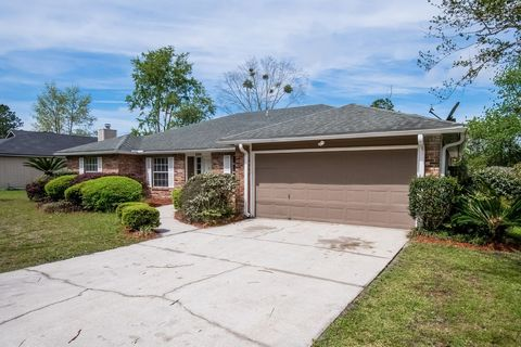 Photo of 6896 Plum Lake Dr E, Jacksonville, FL 32222