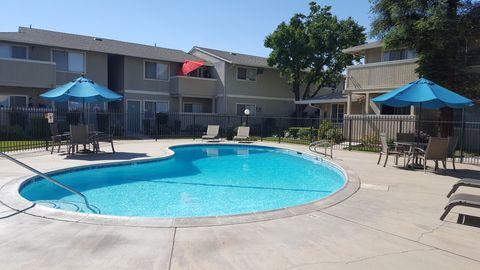 Photo of 2127 Peach Ave, Clovis, CA 93612